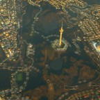 Der Fernsehturm mit umliegendem Park